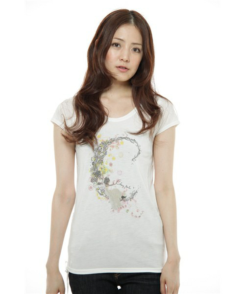 WORLD  Chiara perla   T-shirts Design